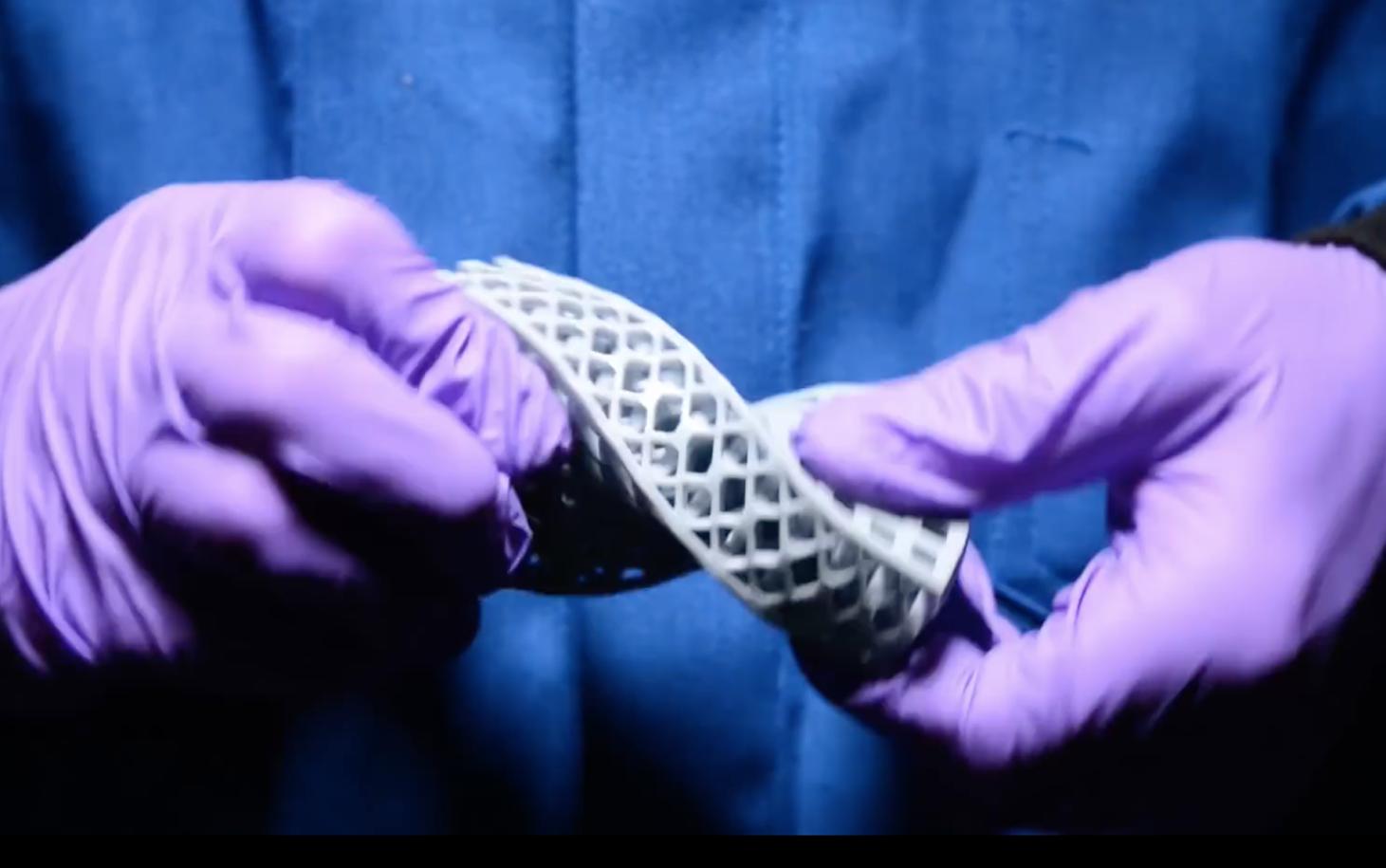 3D-печать на практике реализует теоретическую математику для создания гиперэластичных метаматериалов