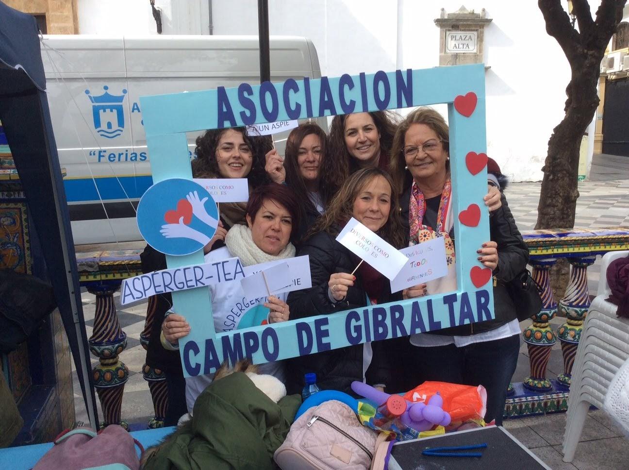 La Asociación Asperger – TEA Campo de Gibraltar celebra una jornada informativa en la Plaza Alta
