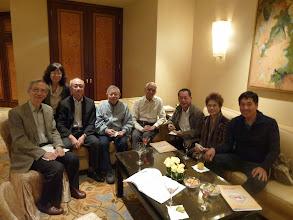 Photo: 劉校長, 胡校長, 校長夫人.甘夫人, 周先生, 馮先生 同成班學生 影相