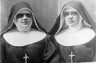 Photo: Madre María Petkovic con su primera compañera y Vicaria General en la Congregación, Madre Gabriela Telenta