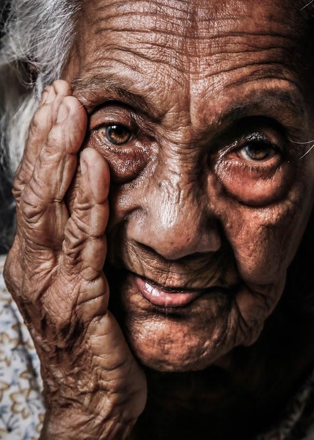 by Binoka Nadiranga - People Portraits of Women (  )