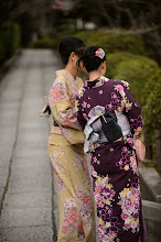 """Photo: This photo appeared in an article on my blog on Mar 29, 2013. この写真は3月29日ブログの記事に載りました。 """"Impromptu Kimono Photo Shoot Near the Kiyomizu Temple"""" http://regex.info/blog/2013-03-29/2234"""
