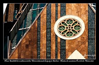 Photo: Neues Stadtbild der traditionsreichen Universitätsstadt Leipzig in Sachsen - Neubau der zerstörten Pauliner Kirche der Universität am Augustusplatz.
