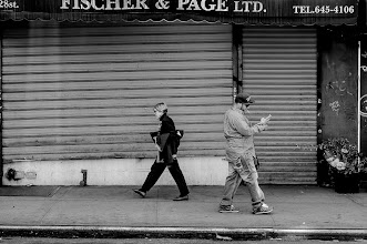 Photo: 28th Street new york city www.leannestaples.com #newyorkcityphotography  #blackandwhitephotography  #streetphotography