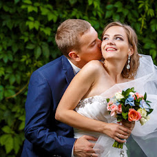 Wedding photographer Evgeniy Mezencev (wedKRD). Photo of 19.04.2017
