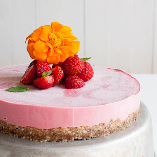 Raw Strawberry Cheese Cake.