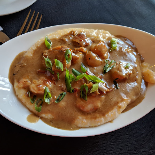 The most amazing shrimp and grits