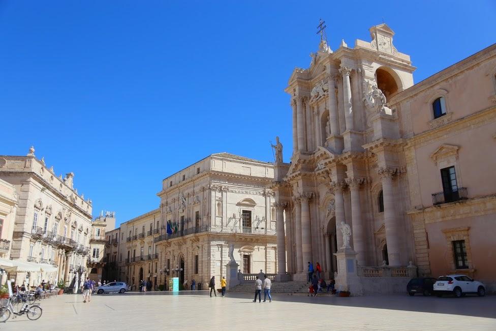 Syrakuzy, Ortygia, Plac Katedralny