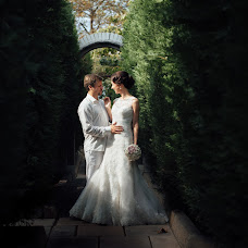 Wedding photographer Anatoliy Pismenyuk (Oriental). Photo of 08.03.2018