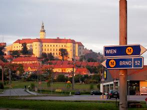 Photo: Mikulov belvárosa a várkastéllyal