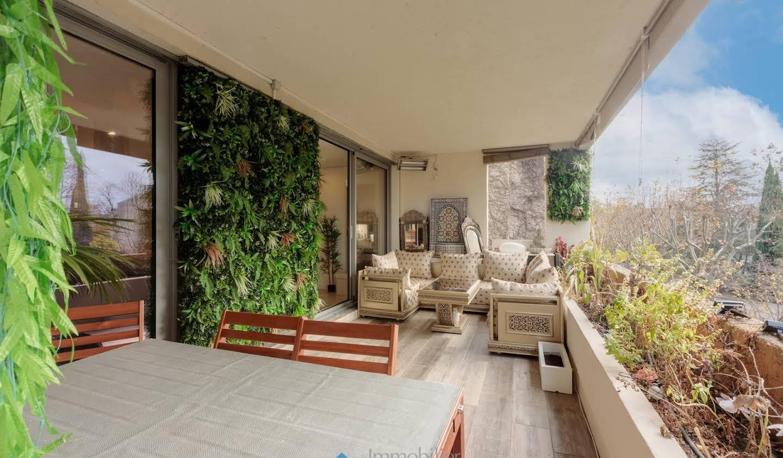 Apartment with pool Aix-en-Provence