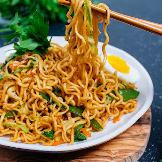 25-MINUTE VEGETABLE RAMEN NOODLE STIR-FRY Recipe