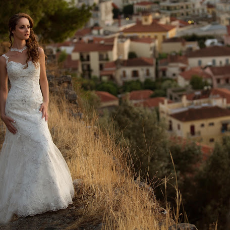 Wedding photographer Antonis Sakellaropoulos (AntonisSakellar). Photo of 23.10.2017