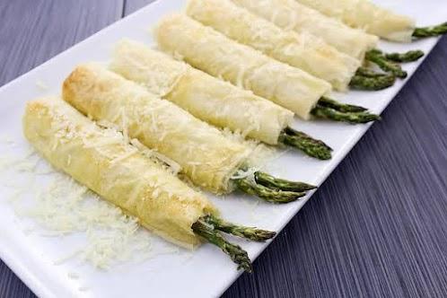 Crispy Garlic Parmesan Asparagus Pillows