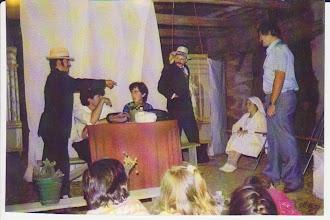 Photo: Representación teatral, agosto 1985