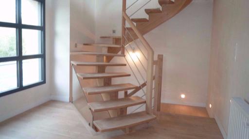 Poser un escalier et rénovation maison