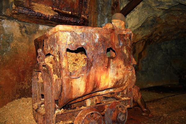Modifiche del tempo Galleria Mineraria di ariosa