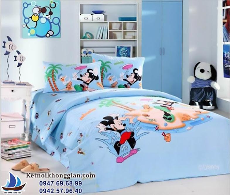 trang trí phòng ngủ bé trai tràn ngập nhân vật hoạt hình