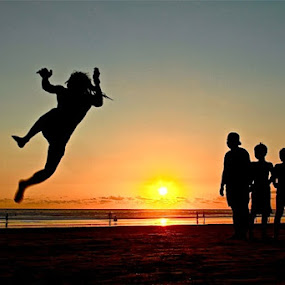 Im Jump to sky  by Bertoni Siswanto - People Street & Candids ( body parts, silhouette, kids, people, entertainment )