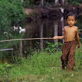 by Kanda Ridho - Novices Only Portraits & People