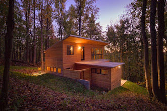 Photo: The 2011 Tom and Lisa Barrie House, aka Mountain Retreat, Boone NC, designed by Thomas Barrie AIA, Raleigh.  Built by Dacchille Construction.  Photos by Eric Morley.