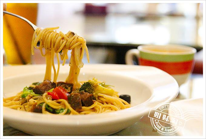 有夠義式青醬廚房巴薩米可老醋嫩煎牛排麵3