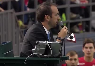 VIDEO: Canadese tennisser mept bal in het gezicht van umpire! Resultaat: diskwalificatie in Davis Cup