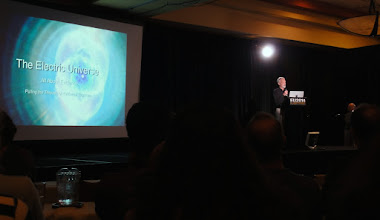 Photo: In the beginning of the Electric Universe Conference 2014, Wallace Thornhill.