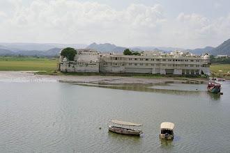 Photo: #023-Notre hôtel: le Taj Lake Palace à Udaïpur