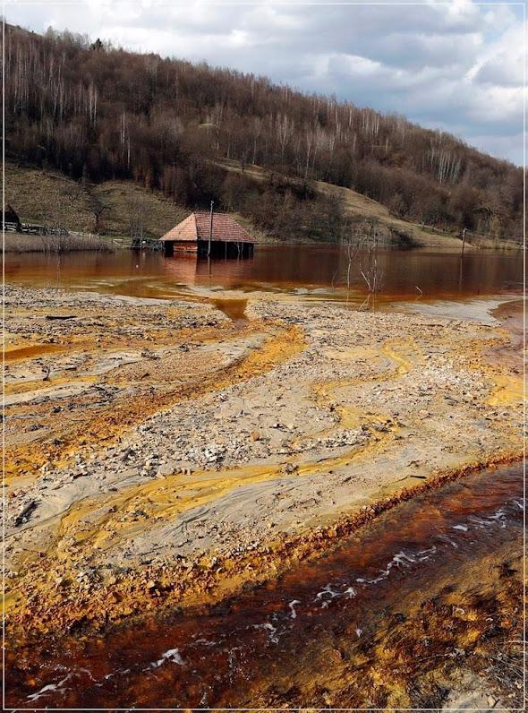Geamana, a vila romena submersa num lago tóxico