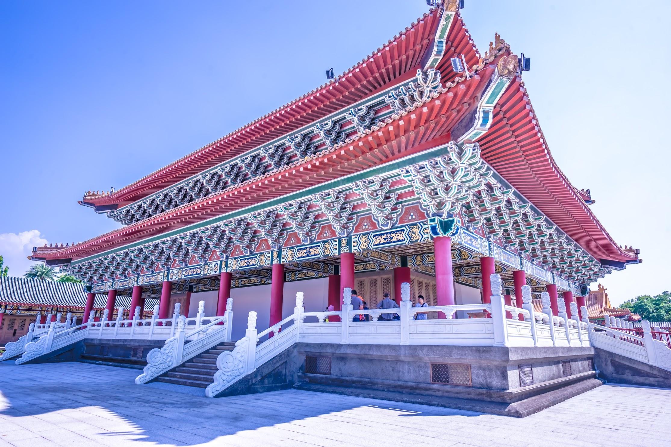 Kaohsiung Lotus Pond Confucius Temple3
