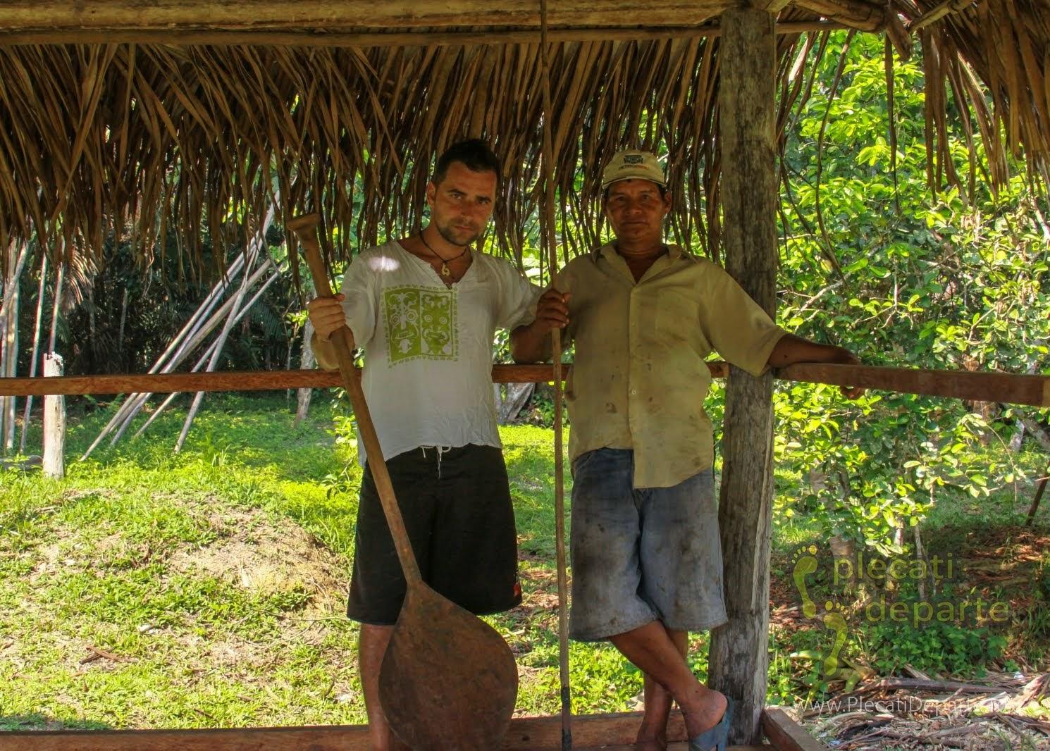 PlecatiDeparte cu ghidul Juan, la intrarea in Rezervatia Nationala Pacaya-Samiria, Peru