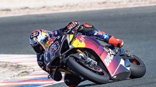 Almería, sede de los pilotos mundialistas de motociclismo en invierno