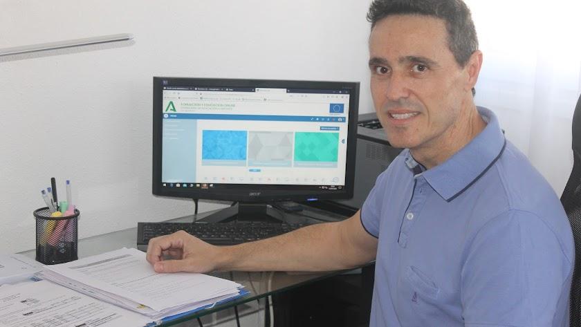 Víctor Gil Rodríguez, informático y profesor en el IES Aguadulce.