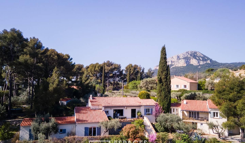 Maison avec piscine et terrasse Le Revest-les-Eaux