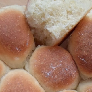 Classic Dinner Rolls Using Rapid Rise Yeast.