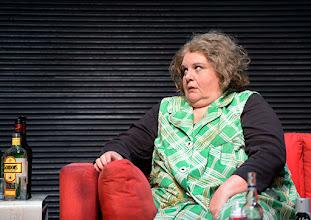 Photo: Wien/ Kammerspiele: AUFSTIEG UND FALL VON LITTLE VOICE von Jim Cartwright. Inszenierung Folke Braband. Premiere 7.5.2015. Susanne Wiegand. Copyright: Barbara Zeininger