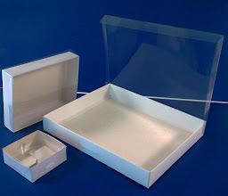 Photo: Caixas com tampa transparente em diversos tamanhos.