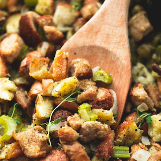 BEST Ever Easy Thanksgiving Stuffing.