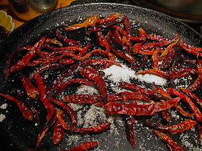 Photo: roasting dried red chillies