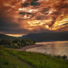 Pineview Sunset by Dallas Golden - Landscapes Sunsets & Sunrises ( water, hdr, sunset, moutains, lake )