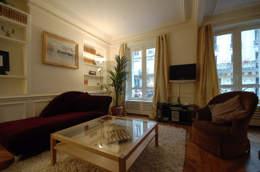 Rue Jean du Bellay Apartments living room