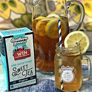 Sweet Tea Lemon Bourbon Cocktail.