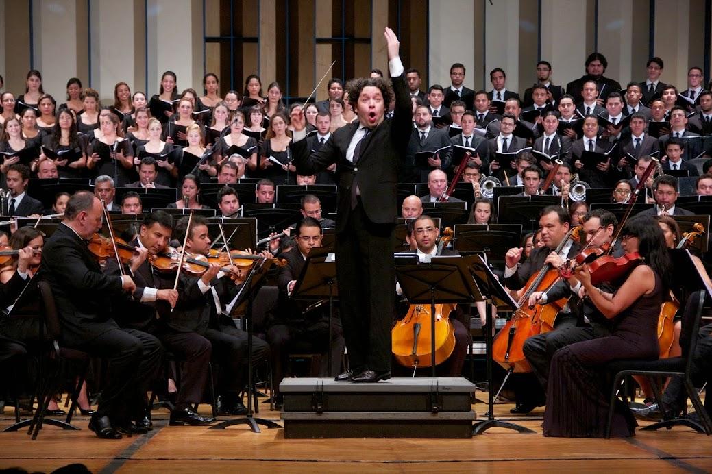 Gustavo Dudamel junto a la Sinfónica Simón Bolívar ejecutarán la música sinfónica