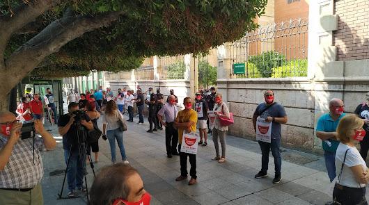 Más de 200 trabajadores de hostelería y ocio nocturno piden un Plan de Rescate