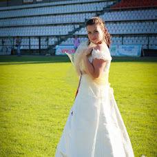 Wedding photographer Viktoriya Dyakonova (Vika48). Photo of 28.07.2013