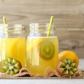 Fruit-Sweetened Lemonade + GIVEAWAY.