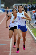 Photo: Crystal Lizaola 1st 800m 2:21.50 / Raven 2nd 2:22.07