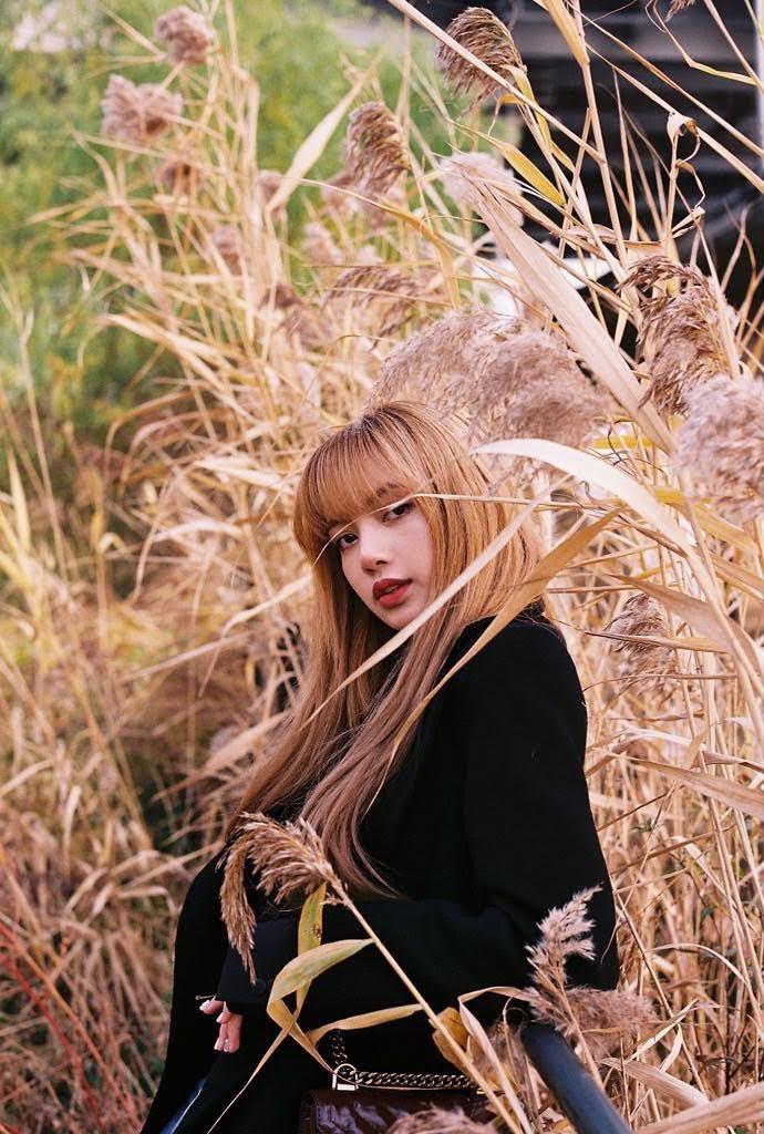 Lisa S Korean Article Blackpink Lisa The Beauty Of Blonde Hair