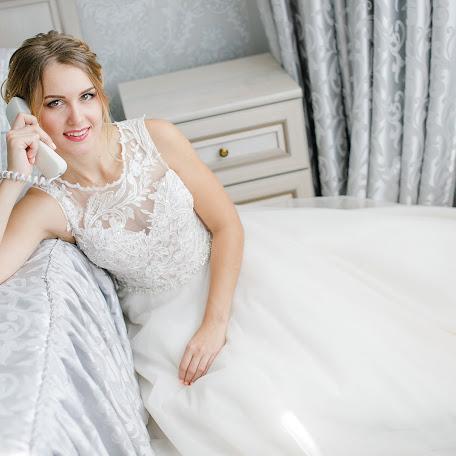 Wedding photographer Oksana Ivanova (sunnylight). Photo of 07.10.2017